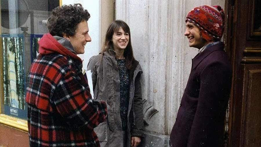 El director Michel Gondry junto a Charlotte Gainsbourg y Gael García Bernal durante el rodaje de «La Ciencia del Sueño».
