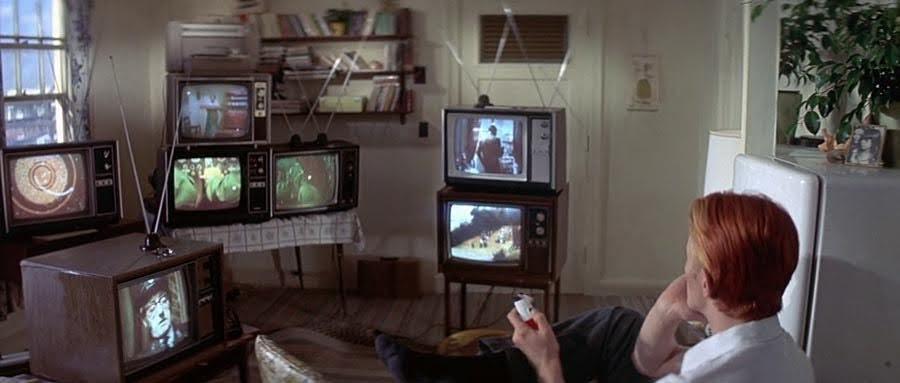 """Escena de """"El hombre que cayó en la Tierra"""" dirigida por Nicholas Roeg"""